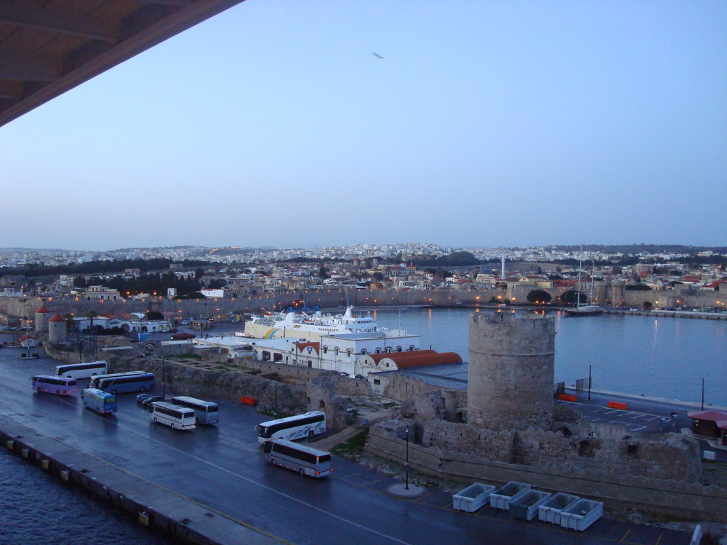 Der Hafen von Rhodos