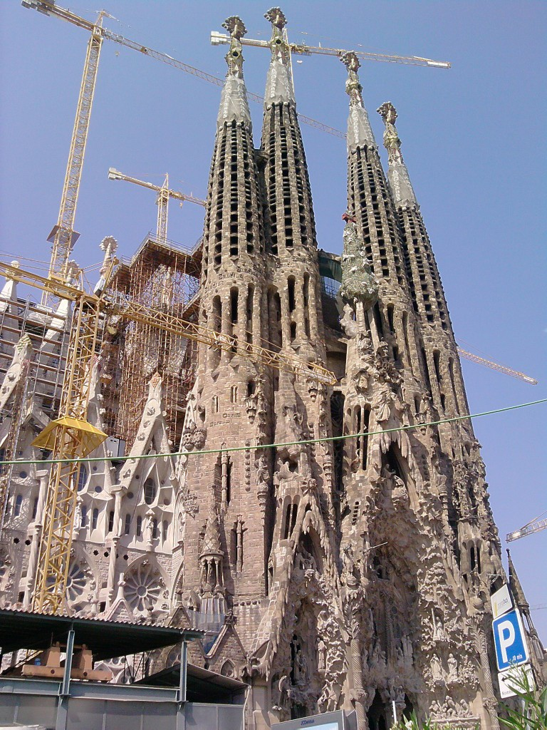 Sagrada Familia Barcelona Cruise Kreuzfahrt