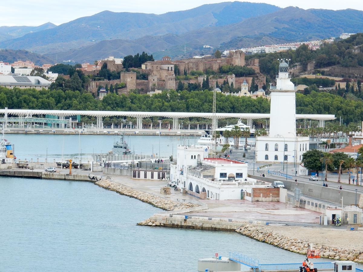 Leuchtturm und Burg Gibralfaro in Malaga
